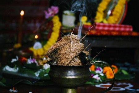 Can Hinduism do without controversies and comparisons?