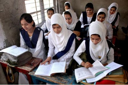 Schools reopen in Kashmir Valley, Students happily return to classrooms