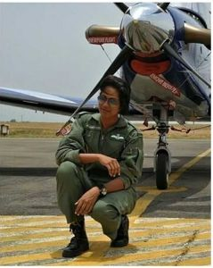 Meet Flt Lt Bhawana Kanth - The first female fighter pilot to participate in R-Day parade