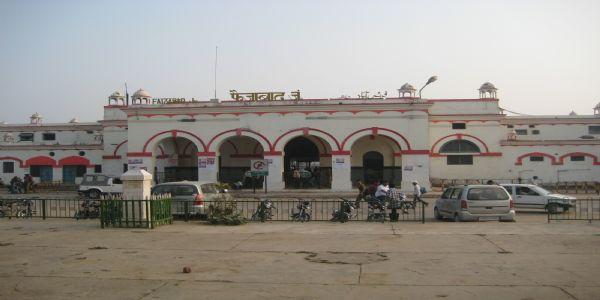 Yogi's Big Decision! Renames Faizabad Railway Junction as Ayodhya Cantt