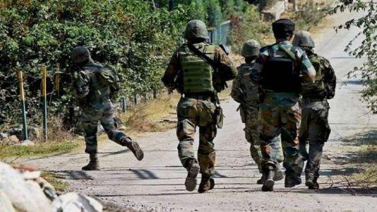 Terrorists hurl grenade in North Kashmir's Baramulla district, 2 CRPF jawans, 1 civilian injured