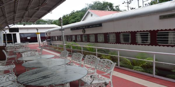 Indian Railways to Convert old Coaches into Restaurants