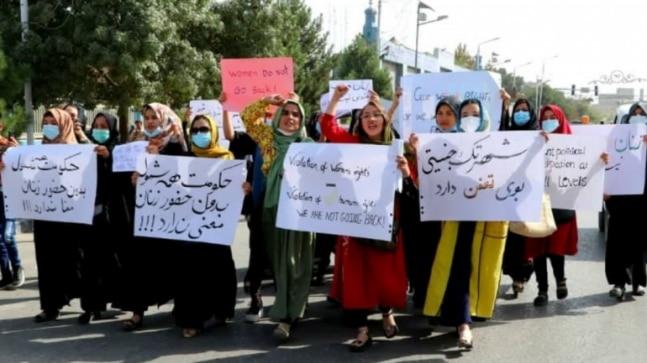 Women protest Taliban _1&